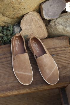 Raw, minimal, comfortable. TOMS Toffee Suede Men's Deconstructed Alpargatas with a heel pull tab and removable insole.