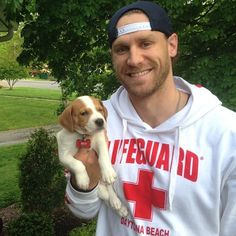 Chase Rice and a puppy! how adorable <3