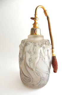 René Lalique 18601945) - 'Sirens' - Perfume atomizer