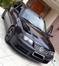 Vw Gol all black Volkswagen Transporter, Volkswagen Jetta, Vw Pointer, Kdf Wagen, Ferdinand Porsche, Vw Cars, Porsche Design, Vw Beetles, Motocross