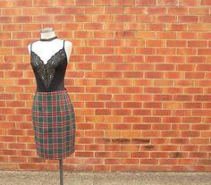 Hey, I found this really awesome Etsy listing at https://www.etsy.com/uk/listing/506877633/90s-tartan-skirt-vintage-tartan-skirt