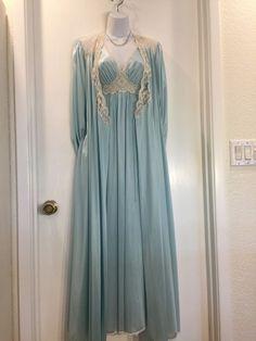 2d0fcb4581 Miss Elaine Gown Robe Set Silver Label Union Tag VTG Lingerie Peignoir  PETITE SM