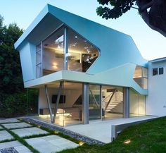 Dream House California with Alan Voo House and Neil M. Denari Architects