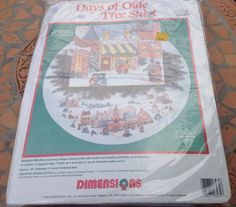 Dimensions 8431 Counted Cross Stitch Kit tree skirt or Christmas holiday table cover