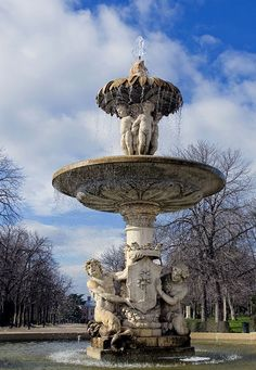 Fuente de la Alcachofa, Parque El Retiro, Madrid. ESP.- Water Sources, Spain Travel, European Travel, Water Features, Real Madrid, Fountain, Around The Worlds, Outdoor Decor, Bella