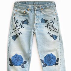 Been dreaming about getting your own pair of BAM made-to-order, one-of-a-kind, chain stitch embroidered vtg denim amazingness?  Then this Saturday's @acurrentaffair is the place to do it!  I will have stacks of vtg Levi's to try for your perfect fit - And vtg army jackets too!  See you there ✌️#acurrentaffair