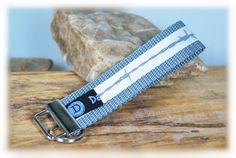 Schlüsselband+/+Schlüsselanhänger+Stacheldraht+von+DaiSign+auf+DaWanda.com  Schlüsselband Schlüsselanhänger Anhänger Stacheldraht Draht Stachel grau silber