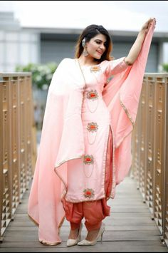 Preet kaur ❤ Designer Punjabi Suits Patiala, Punjabi Suits Designer Boutique, Patiala Suit Designs, Indian Designer Suits, Kurti Designs Party Wear, Indian Suits, Embroidery Suits Punjabi, Embroidery Suits Design, Embroidery Designs