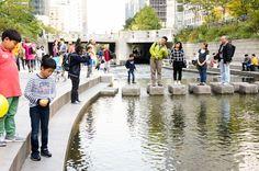 Cheonggyecheon River Restoration Project | by Inhabitat