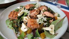 Grilla laks og asparges med betesalat Frisk, Quesadilla, Mozzarella, Guacamole, Potato Salad, Potatoes, Meat, Chicken, Ethnic Recipes