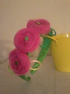 Diadema, flores de tul.