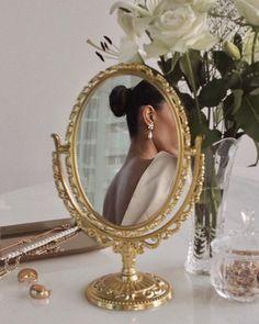 Cream Aesthetic, Gold Aesthetic, Classy Aesthetic, Aesthetic Vintage, Aesthetic Photo, Aesthetic Pictures, Spring Aesthetic, Aesthetic Fashion, Princess Aesthetic