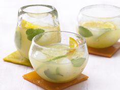 Ginger Beer mit Ingwer und Minze   Kalorien: 93 Kcal - Zeit: 30 Min.   http://eatsmarter.de/rezepte/ginger-beer