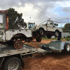 Land Rover 80 Serie One loading 1954