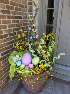 42 best easter front porch decor ideas hot glue jelly beans to tree branches for an adorable easter tree suggestion only Easter Tree, Easter Wreaths, Diy Osterschmuck, Easy Diy, Simple Diy, Diy Easter Decorations, Outdoor Decorations, Diy Ostern, Hoppy Easter