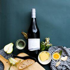 Snapper Rock Pinot Gris, Marlborough, New Zealand. Wine Carafe, Wine Photography, Pinot Gris, Sweet Wine, Wine Brands, Wine Packaging, Cheap Wine, Cooking Wine, Wine Fridge