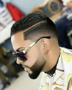 Fase with part, and faded beard Mens Hairstyles With Beard, Cool Mens Haircuts, Stylish Haircuts, Hairstyles Haircuts, Faded Beard Styles, Beard Styles For Men, Hair And Beard Styles, Haircut Designs For Men, Short Hair Cuts