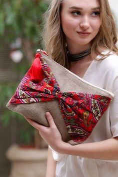 Brown floral clutch bohemian clutch boho bag women handbag gift for her bohochic clutch Fabric Purses, Fabric Bags, Diy Pouch No Zipper, Bag Women, Potli Bags, Embroidery Bags, Boho Bags, Jute Bags, Denim Bag