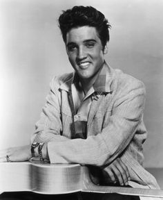 And come on, Elvis is just simply fine AF in literally every sense of the word. | 29 Sexy Men Who Proved The '50s Was The Time To Be Alive