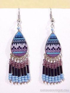 Boucles d'oreilles peintes à la main, en céramique et perles de rocaille.