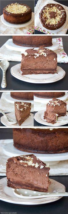 Tarta de queso y chocolate negro.