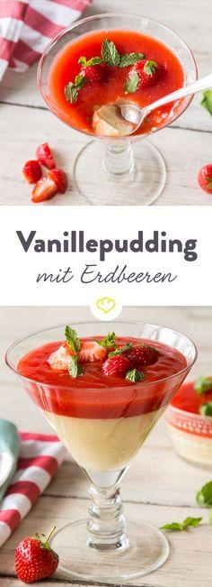 Weil Erdbeeren und Vanille ein Traumpaar sind und einfach weil wir es können, streichen wir eine große Portion Erdbeersauce auf unseren Vanillepudding