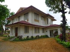 Aquino ancestral house - Concepcion, Tarlac Philippine Architecture, Philippine Houses, Yellow Brick Road, Urban Planning, Traditional House, Places To Travel, Gazebo, Outdoor Structures, House Design