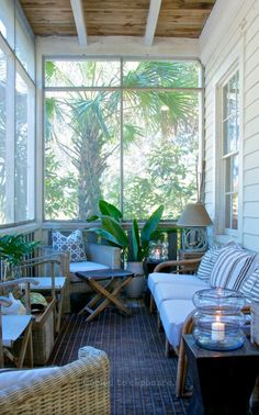 The Honest To Goodness Truth On Florida Room Ideas Screened Porches Sunroom Outdoor Living 83 Small Screened Porch, Small Sunroom, Enclosed Porches, Small Porches, Outdoor Rooms, Outdoor Living, Outdoor Patios, Outdoor Kitchens, Veranda Design