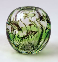"Edward Hald for Orrefors, Sweden ""Fish Graal"" vase, clear glass internally illustrated with fish in green and black, Art Of Glass, Clear Glass, Scandinavian Art, Swedish Design, Gate Design, Art Nouveau, Sculptures, Ceramics, Fish"