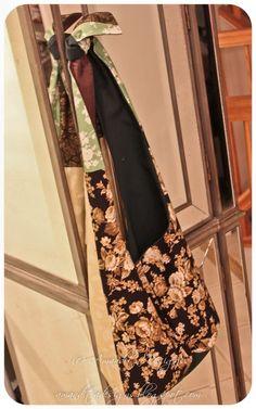 Make Hobo Bag Amandita Designs: Reversible Hobo Bag Tutorial Hobo Bag Tutorials, Sewing Tutorials, Sewing Patterns, Sewing Ideas, Sewing Projects, Apron Tutorial, Purse Tutorial, Hobo Bag Patterns, Sewing Online