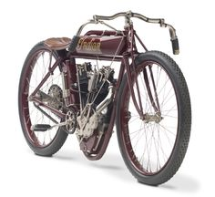 This particular Indian is fitted with an overhead 8-valve 61 cubic inch v-twin with a Bosch magneto, a Hendee carburettor, 28 inch wheels, no brakes...
