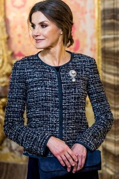 Queen Letizia of Spain Photos - Queen Letizia of Spain attends New Year Military Parade 2019 celebration at Royal Palace on January 2019 in Madrid, Spain. - Spanish Royals Celebrate New Year's Military Parade 2019 Princess Letizia, Queen Letizia, The Crown 2, Orange Evening Dresses, Tweed, Estilo Real, Chanel, Pretty Outfits, New Look