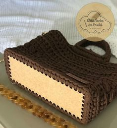 Our social Trends Free Crochet Bag, Crochet Tote, Crochet Handbags, Crochet Purses, Crochet Yarn, Crochet Stitches, Crochet Hooks, Couture Cuir, Crochet Purse Patterns