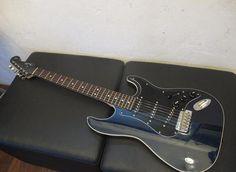 Fender Japan Deluxe Stratocaster