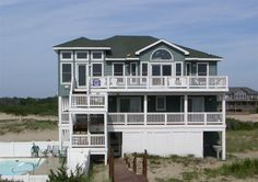 Search for Carova Homes between $800,000 - $1,000,000 OBX Listings