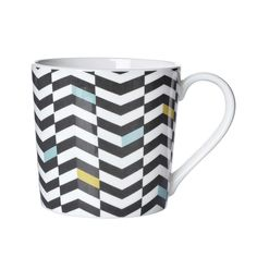 Bring a modern edge to your countertop with this chevron mug that features a colourful zigzag patterning against a white fine bone china background.
