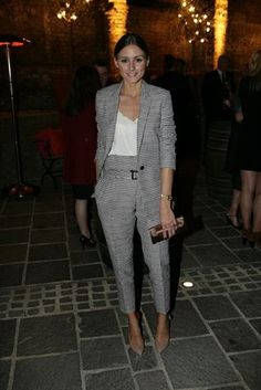 Olivia palermo wear pants and blazer, high heels