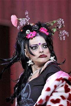 NINA HAGEN Nina Hagen, Punk, Pop Rocks, Divas, Halloween Face Makeup, Anime, Musica, Woman, Anime Shows