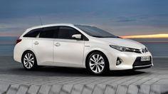Toyota ha desvelado más detalles de la primera versión con carrocería familiar del Auris. La nueva variante Auris Touring Sports presenta unas dimensiones algo mayores y un interior más versátil y amplio que la versión ya conocida de cinco puertas. Su debut oficial, en el Salón de Ginebra 2013.