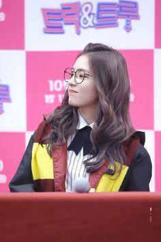 Red Velvet - Irene Que bonita ♥ Seulgi, South Korean Girls, Korean Girl Groups, Kim Yerim, Red Velvet Irene, Korean Artist, Soyeon, Girl Day, Daegu