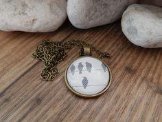 Ketten lang - Cabochon Kette bronze - Vögelchen - ein Designerstück von Trullas-Reich bei DaWanda