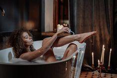 Γνωρίζετε ότι το μπάνιο είναι ο χώρος του σπιτιού όπου μαζεύονται τα περισσότερα μικρόβια και το οξύμωρο είναι ότι χρησιμοποιείτε αυτόν τον χώρο για να πλυθείτε... Group Fitness, Wellness Fitness, Fitness Tips, Health And Wellness, We Missed You, Beauty Spa, Spa Day, Pedi, Miss You