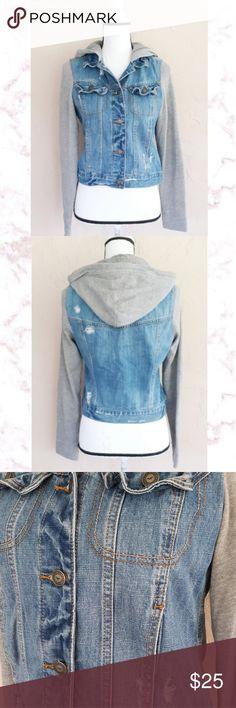 9d543ea16f34fe Hollister Crop Jean Jacket Women s very gently pre loved Hollister  distressed crop jean jacket with gray