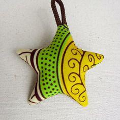 Porte-clés étoile wax motif africain marron et beige