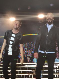 I've never realized it but Scott's laugh is really REALLY adorable