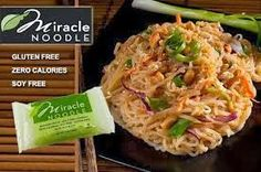 miracle-noodles- Gluten free, carb free, calorie free, I have to try these soon. Zero Calorie Noodles, Miracle Noodles, Shirataki Noodles, Gluten Free Pasta, How To Make Breakfast, Perfect Food, Healthy Recipes, Thm Recipes, Noodle Recipes