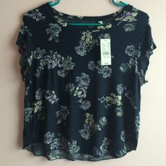 Floral Tee NWT. Cute with light washed jeans and converse. No trades!! Nollie Tops Tees - Short Sleeve
