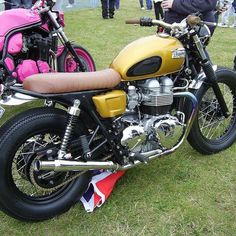 Got to love a gold triumph this one we built for are friend alan Triumph Street Scrambler, Triumph Motorcycles, Vintage Bikes, Vintage Motorcycles, Triumph Bonneville Custom, Motorcycle Design, Custom Bikes, Cool Bikes, Motorbikes