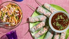 Vietnamesisk piknik Fresh Rolls, Baguette, Tofu, Food To Make, Ethnic Recipes, Cilantro