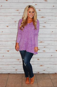 This lavender mineral wash top is so soft and comfy. This will be your favorite top!! 💜 www.champagnewishesbtq.com